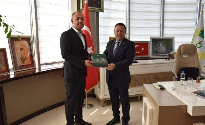 Yeşilay'dan Başkan Beyoğlu'na  plaket