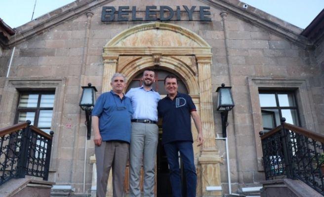 Mithat Körler, Belediye Başkanı Aktürk'ü ziyaret etti