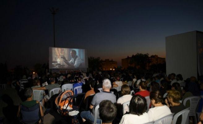 Çiğli'de sinema şölenine büyük ilgi
