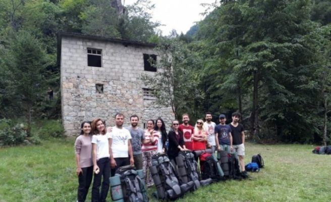 RTEÜ öğrencileri Doğa ve Kitap Projesi kapsamında kamp gerçekleştirdi