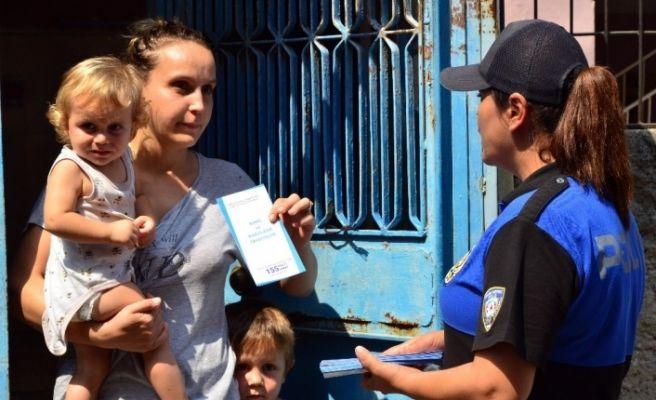 Polisten boğulmalara karşı broşürlü uyarı