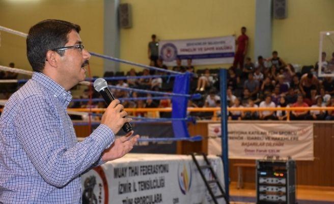 Başkan Çelik şampiyonada genç sporculara seslendi