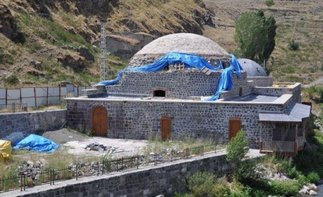 Kars'ta tarihi hamamların yapımı yarım kaldı