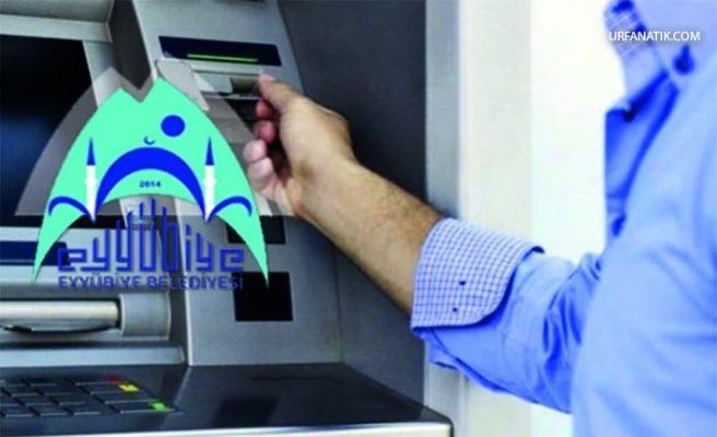 Eyyübiye Belediyesinde Bankamatik Memuru Temizliği
