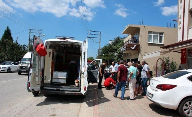 Sakarya'da motosiklet ile otomobil çarpıştı: 1 yaralı