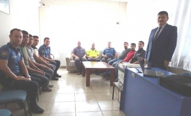 Hisarcık Emniyet Amirliği personeline Halkla İlişkiler ve İletişim Semineri