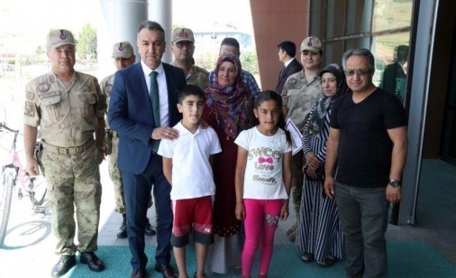 İçişleri Bakanlığınca gönderilen bisikletler çocuklara hediye edildi