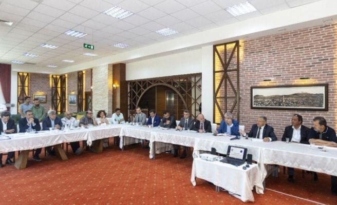 Başkan Büyükkılıç, Erciyes'te yatırımcılarla bir araya geldi