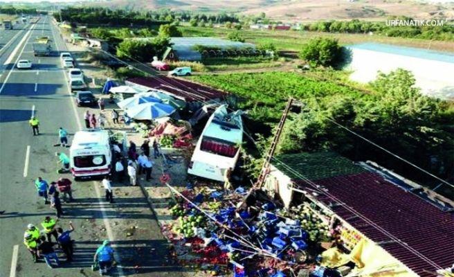 Havalimanı Otobüsü Kaza Yaptı!