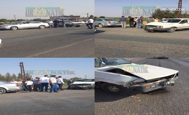 Suruç'ta İki Otomobil Çarpıştı
