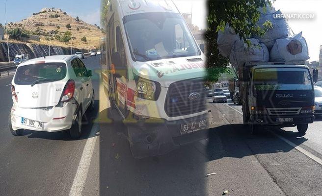 Vakaya Giden Ambulans Zincirleme Trafik Kazasına Karıştı!