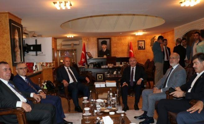 Ulaştırma ve Altyapı Bakanı Turhan Mardin'de