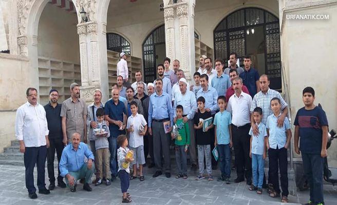 Urfa'da Babalar Ve Çocuklar Sabah Namazında Buluştu!
