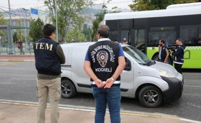Kocaeli'de sigara içen sürücülere 36 bin 567 TL idari para cezası kesildi