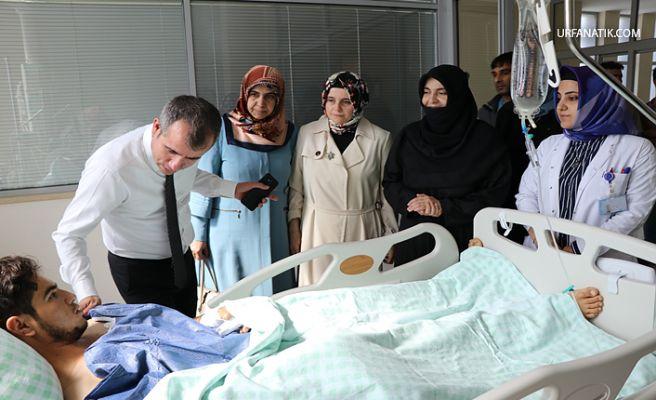 AK Kadınlardan Suruç'ta Yaralı Vatandaşlara Geçmiş Olsun Ziyareti