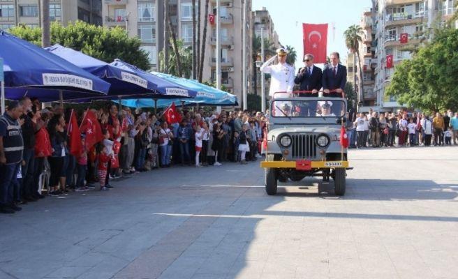 Mersin'de Cumhuriyet Bayarım coşkusu