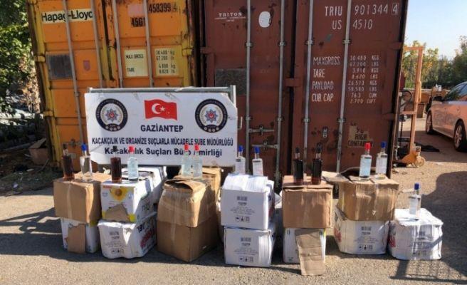 Gaziantep'te 435 şişe sahte içki ele geçirildi