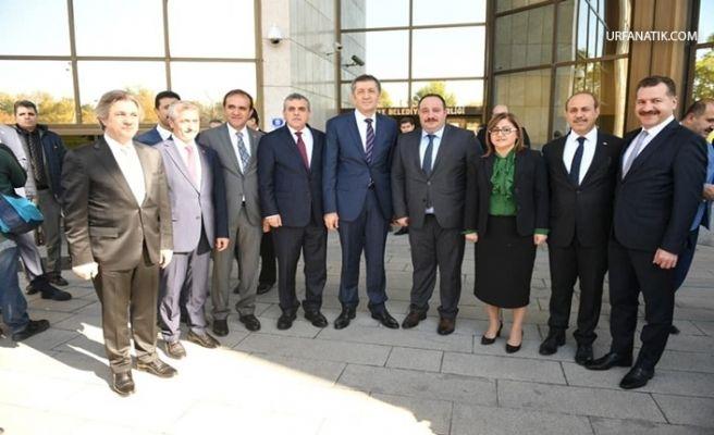 Başkan Ekinci Eğitim Ve Yerel Yönetimler Çalıştayına Katıldı