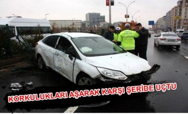Urfa-Diyarbakır yolunda İki Otomobil Çarpıştı