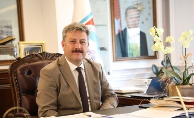 Başkan Dr. Mustafa Palancıoğlu Doç.Dr. Halil Tekiner ile Doç. Dr. Hacer Tokyürek'i Tebrik Etti
