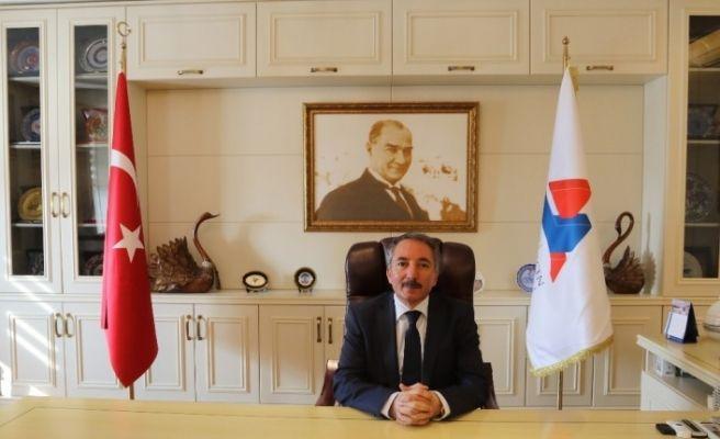 Ağrı İbrahim Çeçen Üniversitesi Rektörü Prof. Dr. Abdulhalik Karabulut'un yeni yıl mesajı