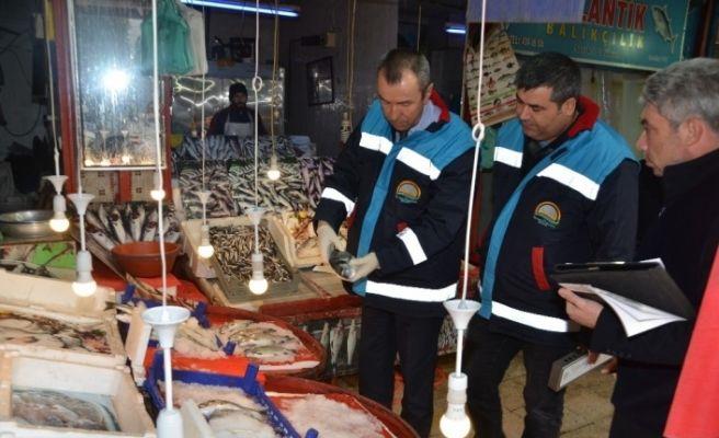 Karabük'te balık tezgahlarında denetim yapıldı