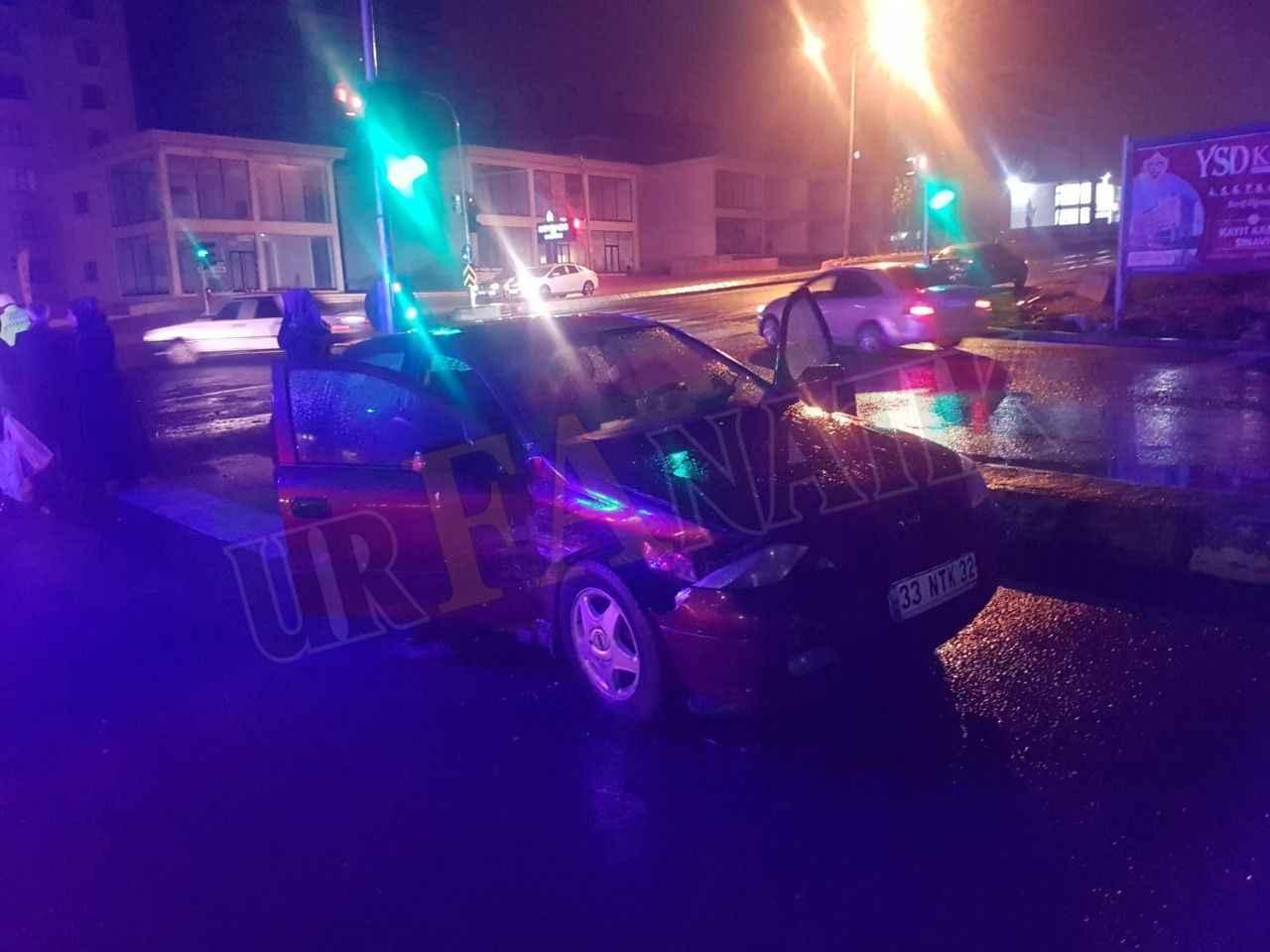 Maşuk'ta Kırmızı ışıkta geçen otomobil kaza yaptı: 5 yaralı
