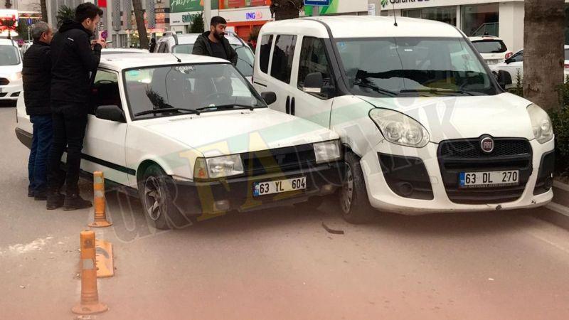 Atatürk Caddesinde trafik kazası!