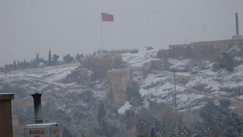 Urfa'da kar yağışı başladı!