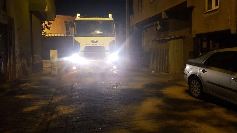 Viranşehir'de gece-gündüz dezenfekte çalışmaları sürüyor
