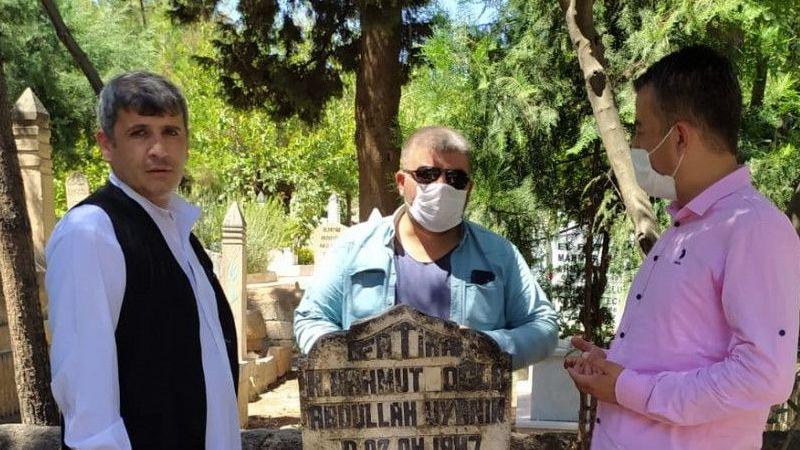 Şanlıurfalı ses sanatçısı Abdullah Uyanık mezarı başında anıldı