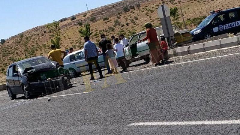 Urfa'da 2 araç çarpıştı! Yaralılar var