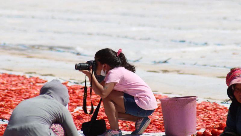 Kurutmalık domates sergisi fotoğrafçılara doğal stüdyo oldu