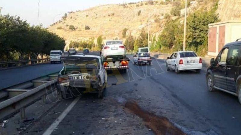 Akabe TOKİ inişinde iki otomobil çarpıştı: Yaralılar var