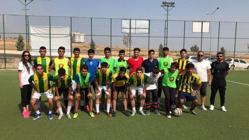 Urfa'da ağabey ile kardeşi finalde karşı karşıya geldi
