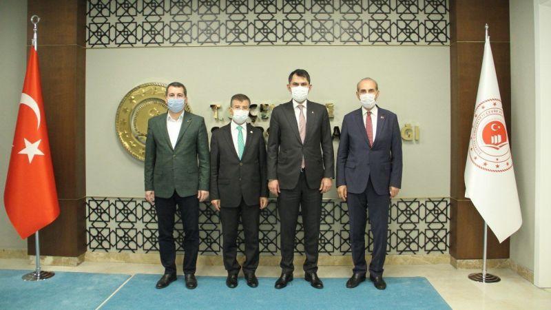 Urfa heyetinden Bakanı Kurum'a ziyaret