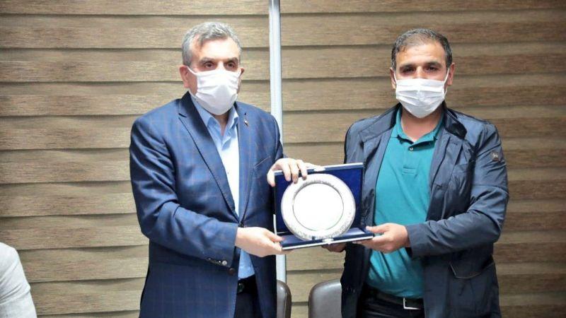 Başkan Beyazgül Urfaspor yönetimi ile buluştu
