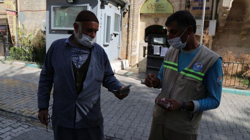 Urfa'da çöp toplarken 35 bin lira buldu
