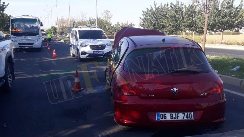 Urfa'da iki otomobil çarpıştı: Yaralılar var