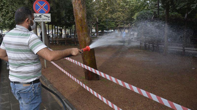 Siverek'teki parklarda çevre düzenlemesi