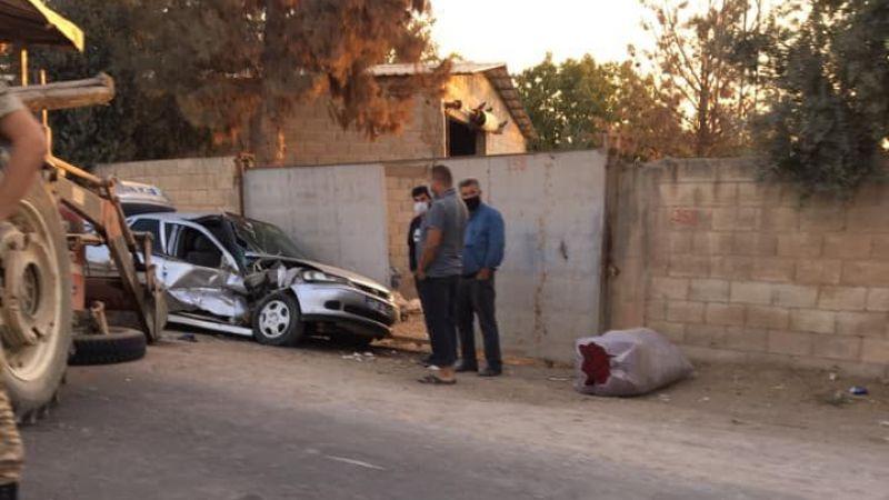 Urfa'da traktörün tekerleği koptu: Park halindeki otomobile çarptı!