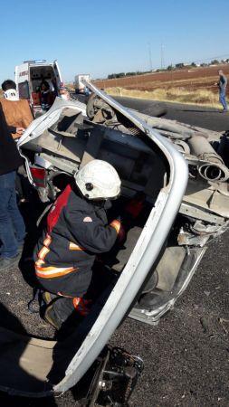 Şanlıurfa'da devrilen otomobildeki 3 kişi yaralandı
