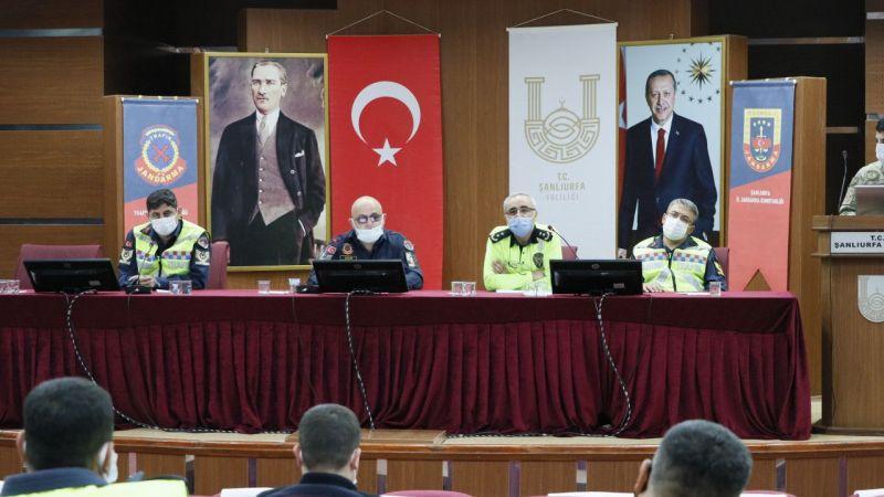 Şanlıurfa'da jandarma trafik güvenliği çalıştayı düzenledi