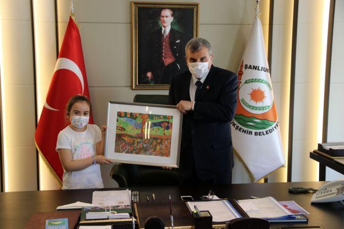 """""""Göbeklitepe"""" resmiyle uluslararası seçkide yer alan Lara, Şanlıurfa'da belediye başkanlığı koltuğuna oturdu"""