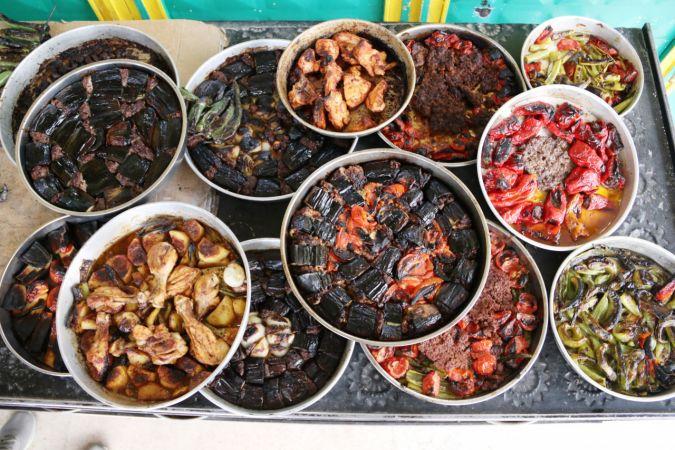 Şanlıurfa'nın taş fırınlarında pişen lezzetleri ramazan sofralarını süslüyor