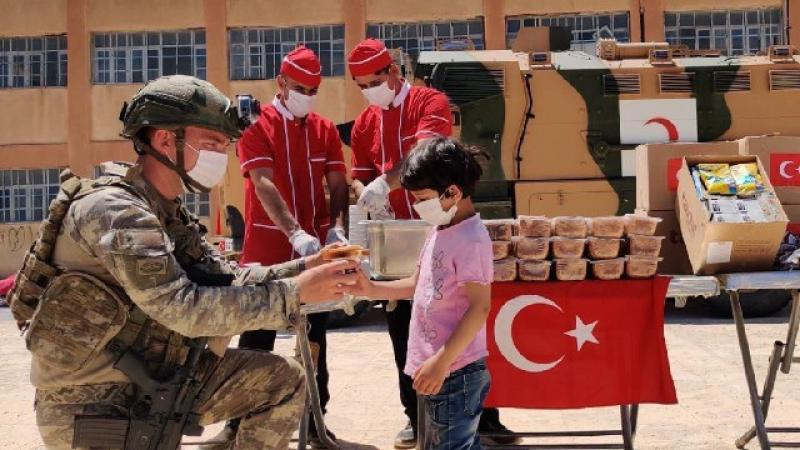 Bakanlık paylaştı:Mehmetçik'ten Barış Pınarı bölgesine yardım eli