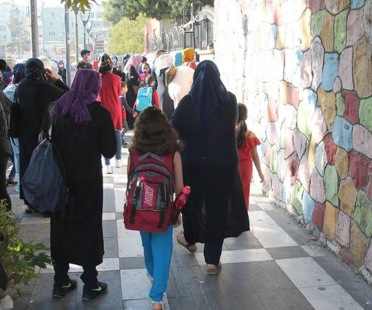 Urfa'da İlkokul öğrencileri ders başı yaptı