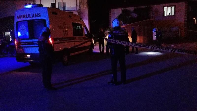 Komşular arasında gece yarısı silahlı kavga: 1'i polis 5 yaralı!