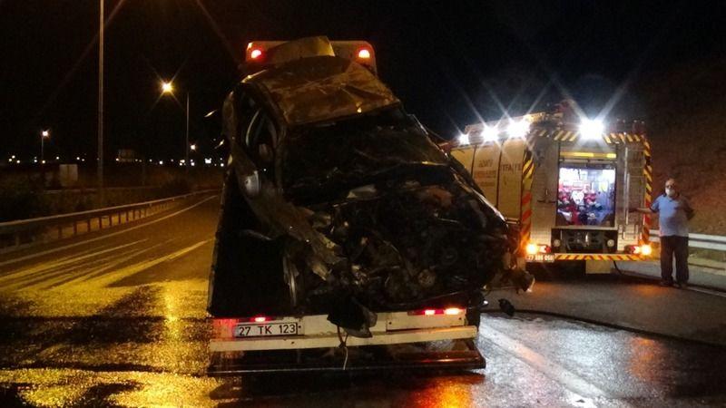 Urfa-Antep otoyolunda korkunç kaza: Yaralılar var