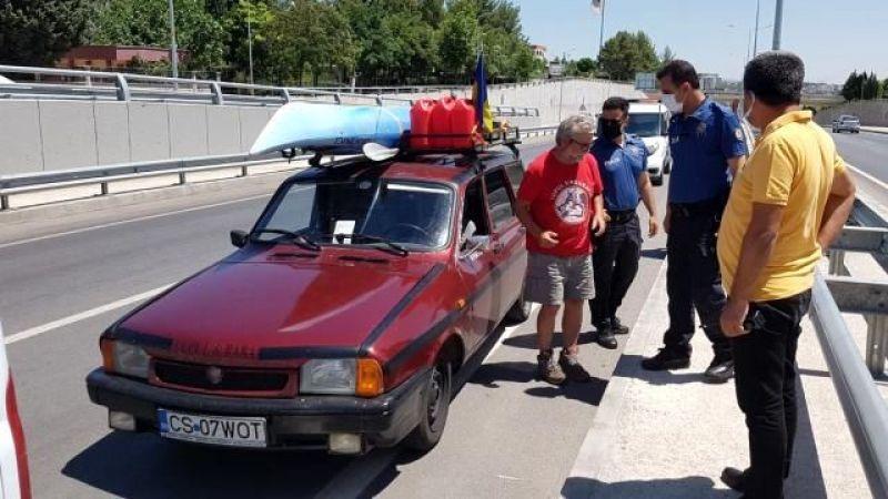 Adıyaman'da durdurulan Romanyalı turist, Urfa'ya doğru yola çıktı